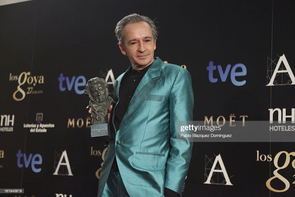Alfonso de Vilallonga holds his award for Best Original in the film 'Blancanieves' during the 2013 edition of the 'Goya Cinema Awards' ceremony at Centro de Congresos Principe Felipe on February 17, 2013 in Madrid, Spain.
