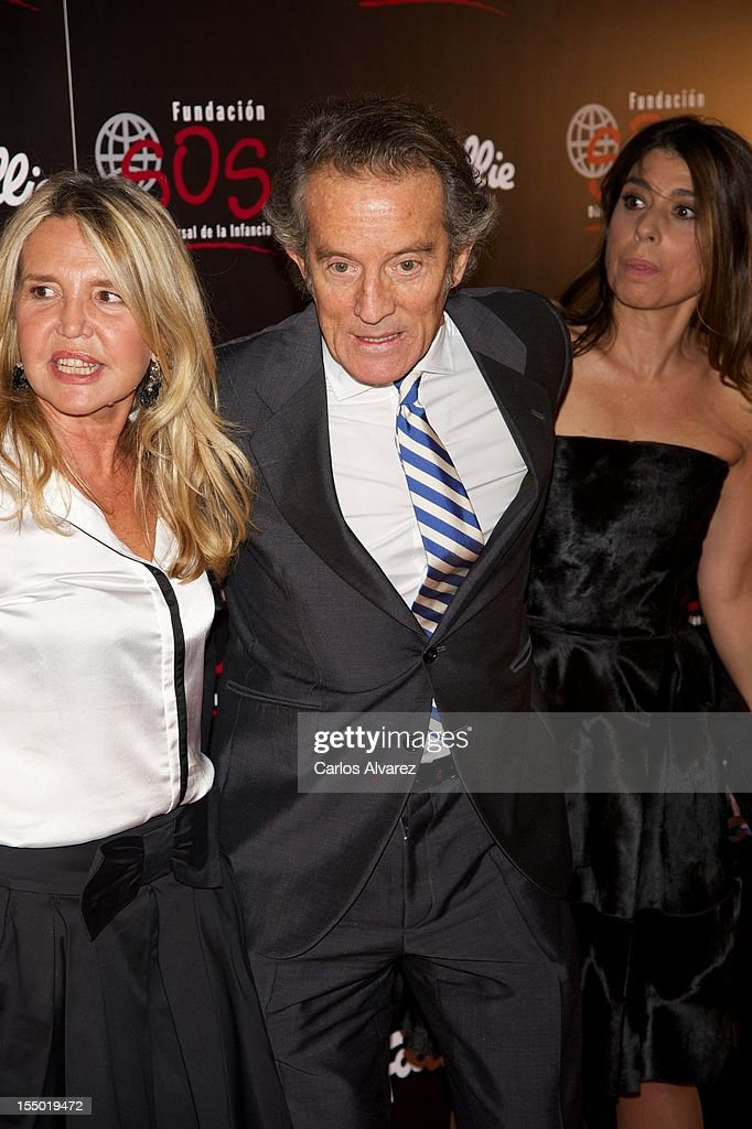 <a gi-track='captionPersonalityLinkClicked' href=/galleries/search?phrase=Alfonso+Diez&family=editorial&specificpeople=6697714 ng-click='$event.stopPropagation()'>Alfonso Diez</a> attends the 'Folli Follie' campaing launch at Casino de Madrid on October 30, 2012 in Madrid, Spain.