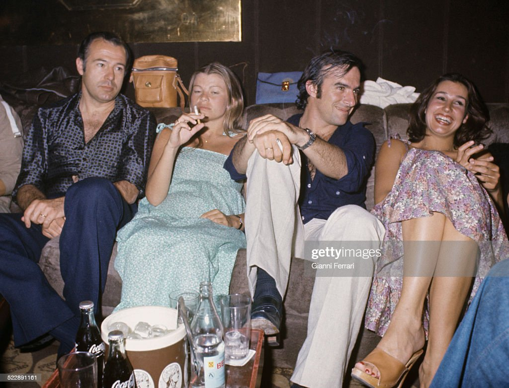 Alfonso of Borbon with Cari Lapique, Carlos Goyanes and his wife Carmen Martinez Bordiu on a party, 1977, Madrid, Spain. (Photo by Gianni Ferrari/Cover/Getty Images).