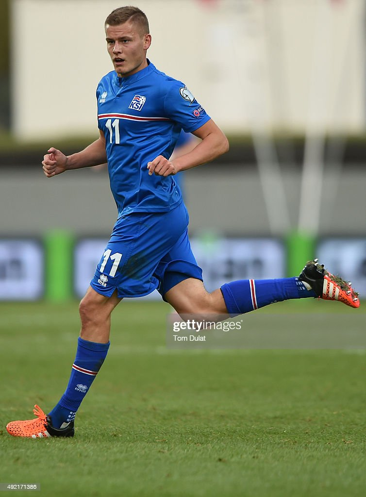 Alfred Finnbogason of Iceland in action during the UEFA EURO 2016 Qualifier match between Iceland and Latvia at Laugardalsvollur National Stadium on October 10, 2015 in Reykjavik, Iceland. (Photo by Tom Dulat/Getty Images).