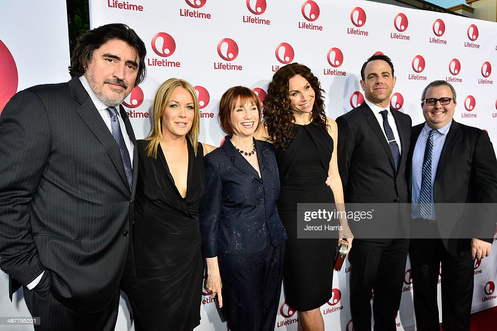 <a gi-track='captionPersonalityLinkClicked' href=/galleries/search?phrase=Alfred+Molina&family=editorial&specificpeople=211218 ng-click='$event.stopPropagation()'>Alfred Molina</a>, <a gi-track='captionPersonalityLinkClicked' href=/galleries/search?phrase=Andrea+Anders&family=editorial&specificpeople=633113 ng-click='$event.stopPropagation()'>Andrea Anders</a>, <a gi-track='captionPersonalityLinkClicked' href=/galleries/search?phrase=Kathy+Baker&family=editorial&specificpeople=208781 ng-click='$event.stopPropagation()'>Kathy Baker</a>, <a gi-track='captionPersonalityLinkClicked' href=/galleries/search?phrase=Minnie+Driver&family=editorial&specificpeople=201884 ng-click='$event.stopPropagation()'>Minnie Driver</a>, <a gi-track='captionPersonalityLinkClicked' href=/galleries/search?phrase=Paul+Adelstein&family=editorial&specificpeople=665401 ng-click='$event.stopPropagation()'>Paul Adelstein</a> and writer/director/producer Sean Hanish arrive at the Premiere of Lifetime Television's 'Return To Zero' at Paramount Theater on the Paramount Studios lot on May 1, 2014 in Hollywood, California.