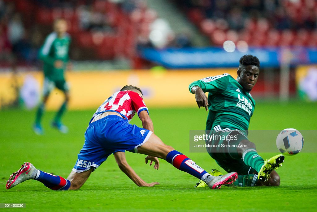 <a gi-track='captionPersonalityLinkClicked' href=/galleries/search?phrase=Alfred+N%27Diaye&family=editorial&specificpeople=5553791 ng-click='$event.stopPropagation()'>Alfred N'Diaye</a> of Real Betis Balompie duels for the ball with Ait Atmane of Real Sporting de Gijon during the Copa del Rey Round of 32 match between Real Sporting de Gijon and Real Betis Balompie at Estadio El Molinon on December 15, 2015 in Gijon, Spain.