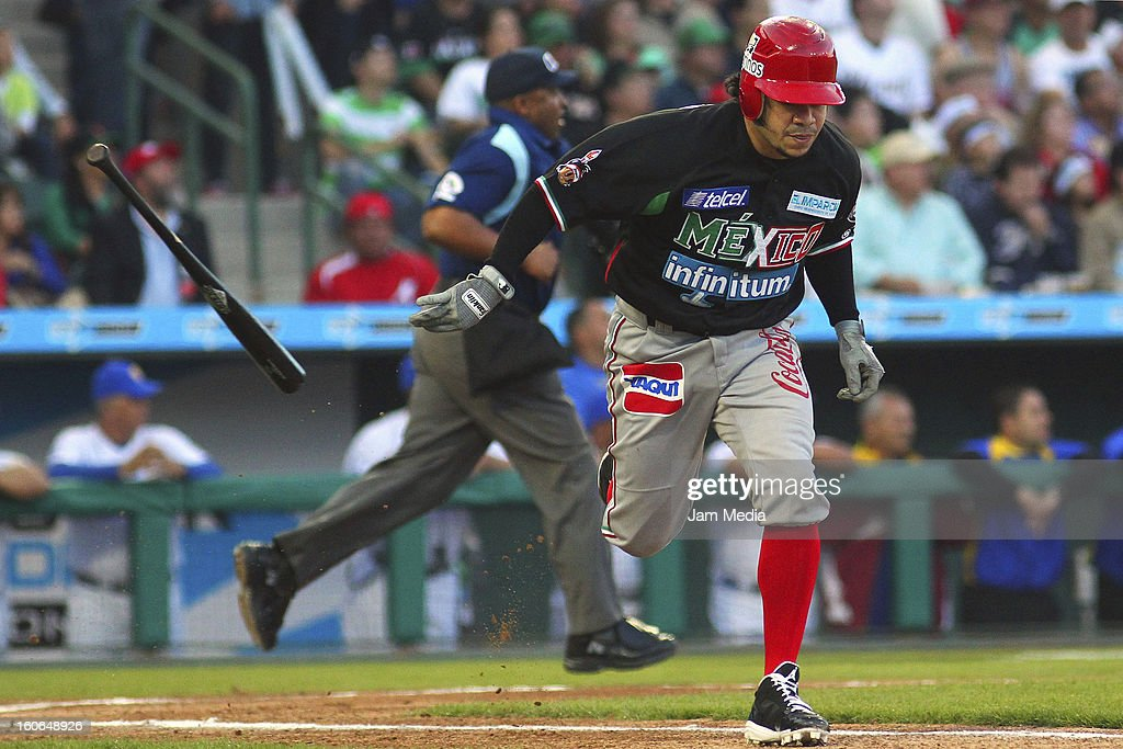 <a gi-track='captionPersonalityLinkClicked' href=/galleries/search?phrase=Alfredo+Amezaga&family=editorial&specificpeople=239472 ng-click='$event.stopPropagation()'>Alfredo Amezaga</a> of Mexico in action during the Caribbean Series Baseball 2013 in Sonora Stadium on February 2, 2013 in Hermosillo, Mexico.