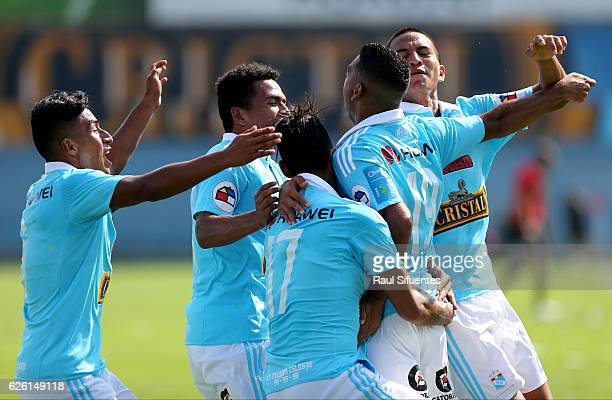 Alfredo Ramua of Sporting Cristal celebrates after scoring the second goal of his team during a match between Sporting Cristal and FBC Melgar as part...