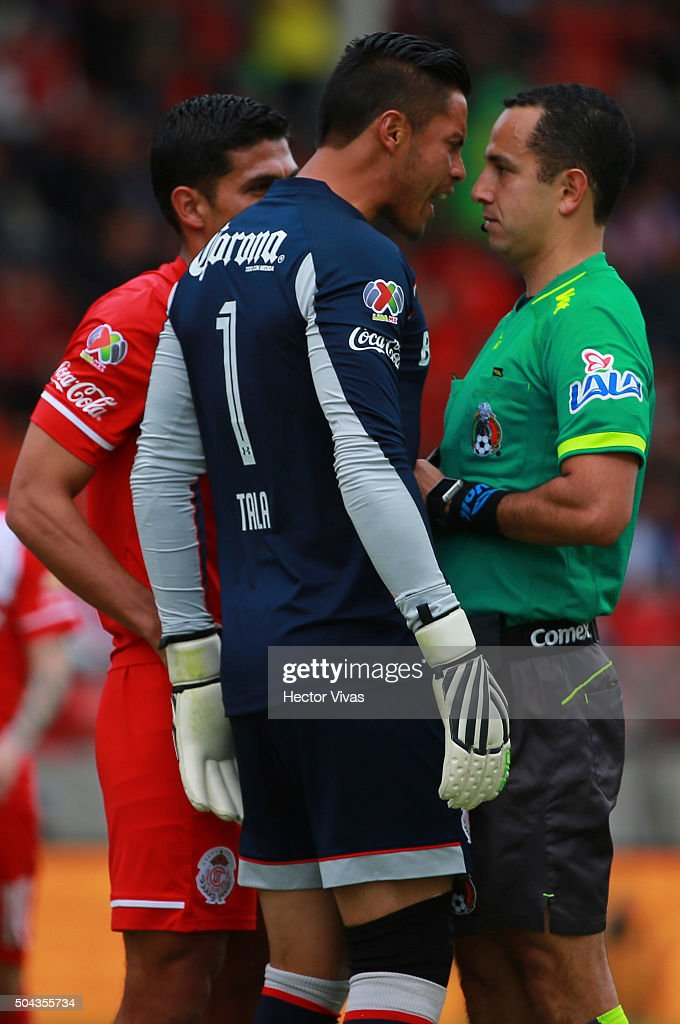 <a gi-track='captionPersonalityLinkClicked' href=/galleries/search?phrase=Alfredo+Talavera&family=editorial&specificpeople=697019 ng-click='$event.stopPropagation()'>Alfredo Talavera</a> of Toluca reacts against referee Eduardo Galvan during the 1st round match between Toluca and Tigres UANL as part of the Clausura 2016 Liga MX at Nemesio Diez Stadium on January 10, 2016 in Toluca, Mexico.
