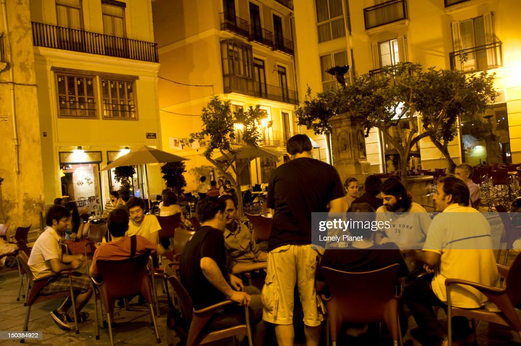 Alfresco section of the Cafe-Bar Negrito, Plaza del Negrito. : Stock Photo