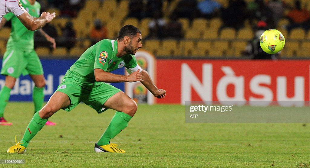 Algeria midfielder Medhi Lacen Fatah Garbi looks at the ball during the Group D 2013 African Cup of Nations football match in Rustenburg on January 22, 2013, at Royal Bafokeng stadium. AFP PHOTO / ALEXANDER JOE