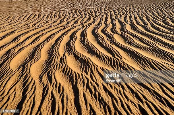 Algeria, View of sand dunes near Tehenadou