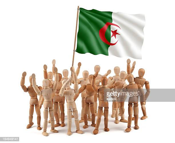 Algerien-Hölzerne Kleiderpuppe Gruppe mit Flagge