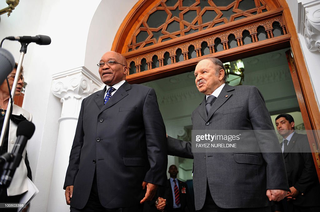 Algerian President Abdelaziz Bouteflika (R) welcomes his South African counterpart Jacob Zuma during a press conference at the Presidential Palace, on May 25, 2010 in Algiers. Zuma is on a two-day official visit to Algeria.
