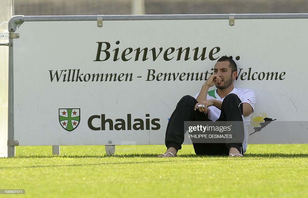 Algeria's team Mourad Meghini seats during a practice session on May 25, 2010 in the Swiss Alpine resort of Crans-Montana ahead of the FIFA World Cup 2010 finals in South Africa.