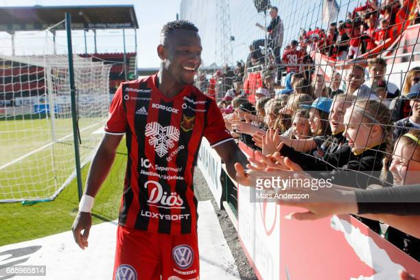 Alhaji Gero of Ostersunds FK celebrates after the victory of the Allsvenskan match between Ostersunds FK and Kalmar FF at Jamtkraft Arena on May 20...