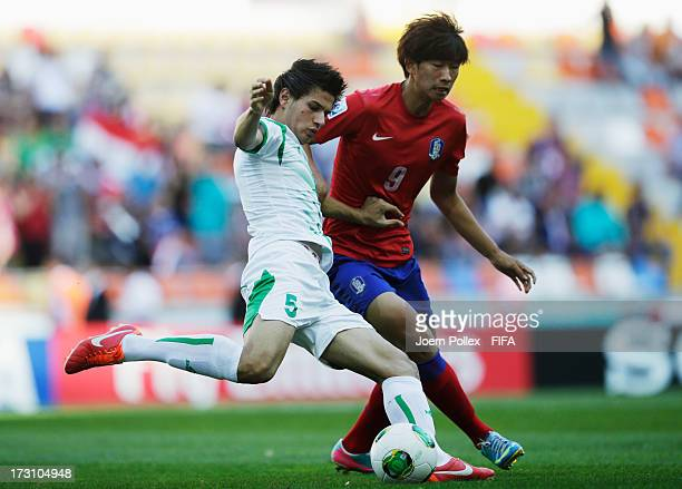 Ali Faez of Iraq and Kim Hyun of Korea Republic compete for the ball during the FIFA U20 World Cup Quarter Final match between Iraq and Korea...