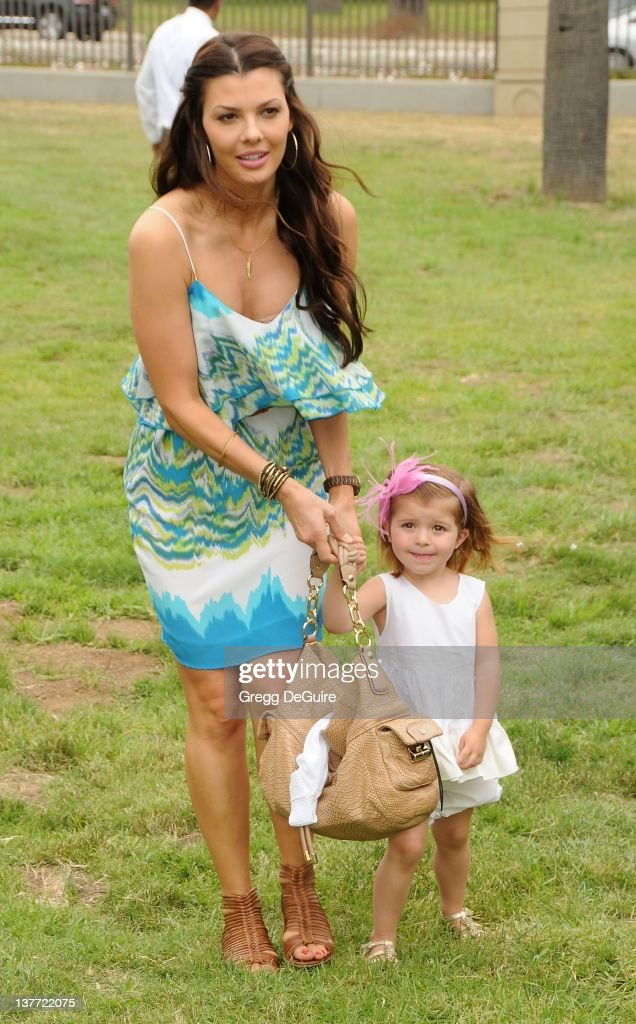 Ali Landry and daughter Estela arrive at the 21st Annual A Time For Heroes Celebrity Picnic sponsored by Disney to benefit The Elizabeth Glaser Pediatric AIDS Foundation on June 13, 2010 at the Wadsworth Theater on the VA Lawn in Los Angeles, California.
