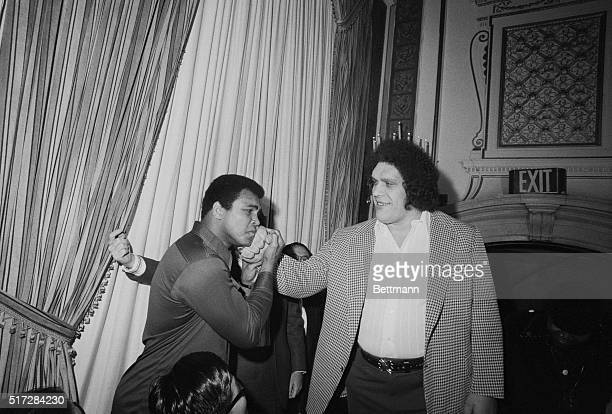 Ali Meets a Giant New York When World Heavyweight Boxing Champion Muahmmad Ali was in New York March 25th 1976 to meet Japanese wrestler Antonio...