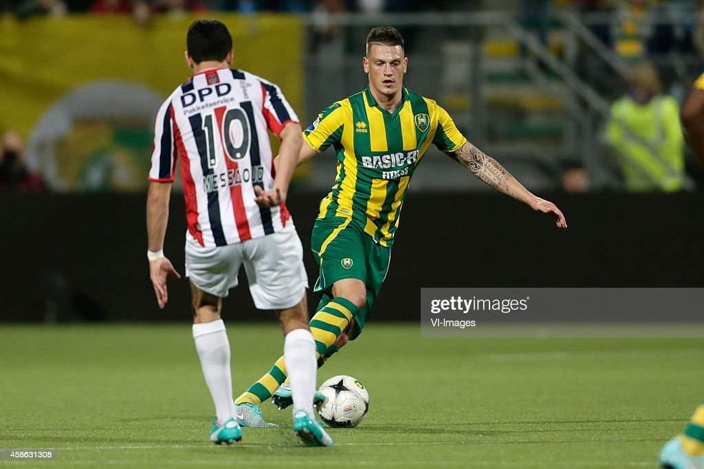 Ali Messaoud of Willem II Vito Wormgoor of ADO Den Haag during the Dutch Eredivisie match between ADO Den Haag and Willem II Tilburg at Kyocera...