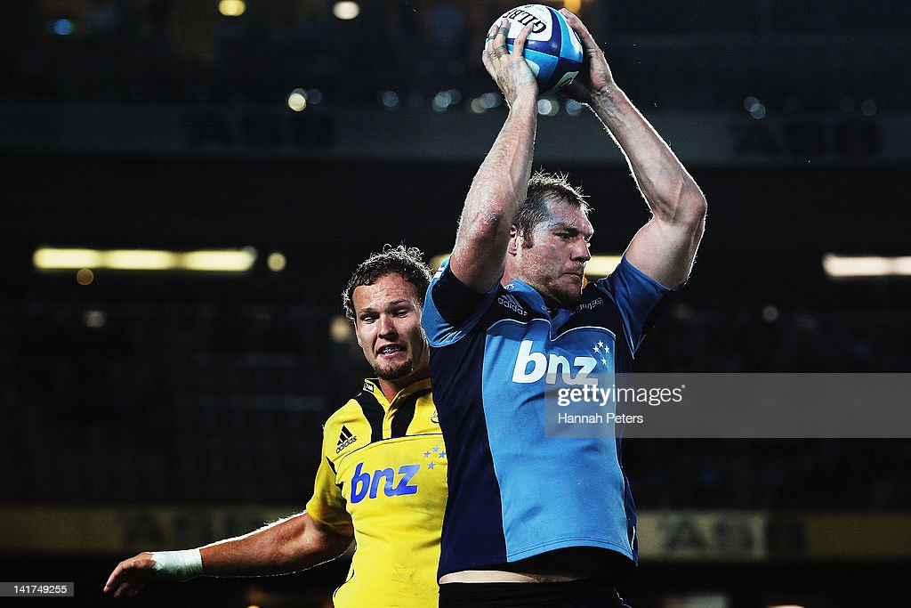 Ali Williams of the Blues wins lineout ball during the round five Super Rugby match between the Blues and the Hurricanes at Eden Park on March 23, 2012 in Auckland, New Zealand.