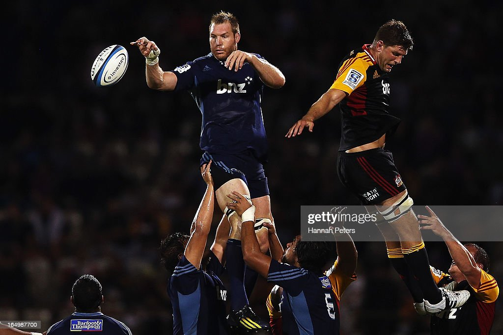 <a gi-track='captionPersonalityLinkClicked' href=/galleries/search?phrase=Ali+Williams&family=editorial&specificpeople=234366 ng-click='$event.stopPropagation()'>Ali Williams</a> of the Blues wins lineout ball during the round seven Super Rugby match between the Chiefs and the Blues at Bay Park on March 30, 2013 in Tauranga, New Zealand.