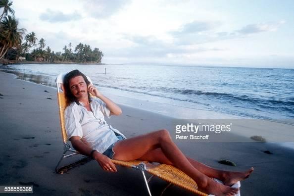 alice cooper im urlaub auf maui hawaii pictures getty. Black Bedroom Furniture Sets. Home Design Ideas