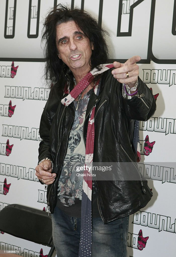 <a gi-track='captionPersonalityLinkClicked' href=/galleries/search?phrase=Alice+Cooper&family=editorial&specificpeople=202989 ng-click='$event.stopPropagation()'>Alice Cooper</a> attends the press conference on day two of the Download Festival at Donington Park on June 11, 2011 in Castle Donington, England.