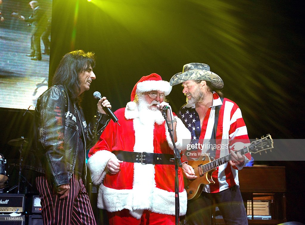"""Alice Cooper's """"Christmas Pudding"""" Concert to Benefit Solid Rock Foundation - Show"""
