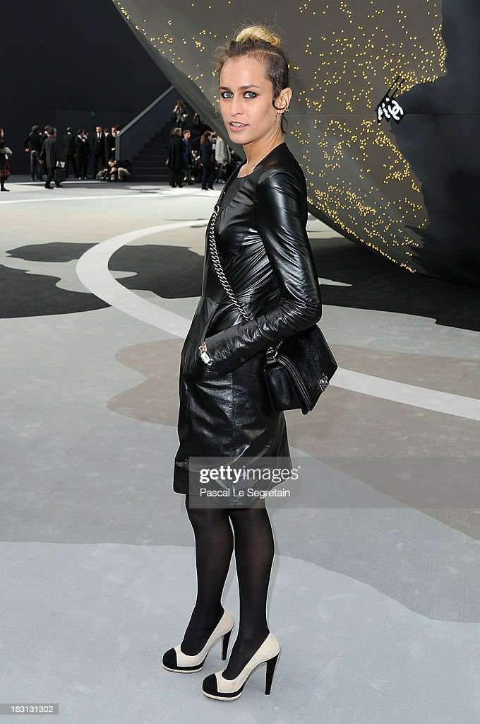 <a gi-track='captionPersonalityLinkClicked' href=/galleries/search?phrase=Alice+Dellal&family=editorial&specificpeople=4261908 ng-click='$event.stopPropagation()'>Alice Dellal</a> attends the Chanel Fall/Winter 2013 Ready-to-Wear show as part of Paris Fashion Week at Grand Palais on March 5, 2013 in Paris, France.