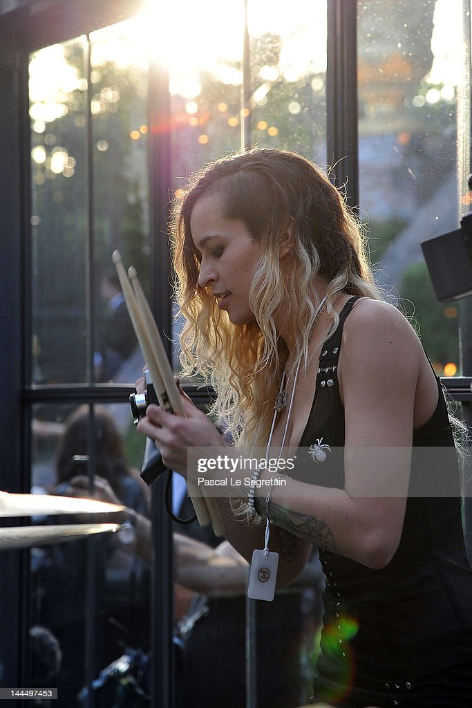 <a gi-track='captionPersonalityLinkClicked' href=/galleries/search?phrase=Alice+Dellal&family=editorial&specificpeople=4261908 ng-click='$event.stopPropagation()'>Alice Dellal</a> performs during the Chanel 2012/13 Cruise Collection at Chateau de Versailles on May 14, 2012 in Versailles, France.