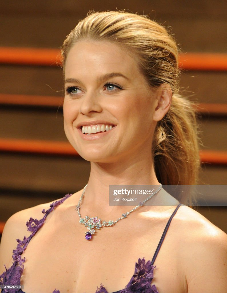 <a gi-track='captionPersonalityLinkClicked' href=/galleries/search?phrase=Alice+Eve+-+Actress&family=editorial&specificpeople=570229 ng-click='$event.stopPropagation()'>Alice Eve</a> attends the 2014 Vanity Fair Oscar Party hosted by Graydon Carter on March 2, 2014 in West Hollywood, California.