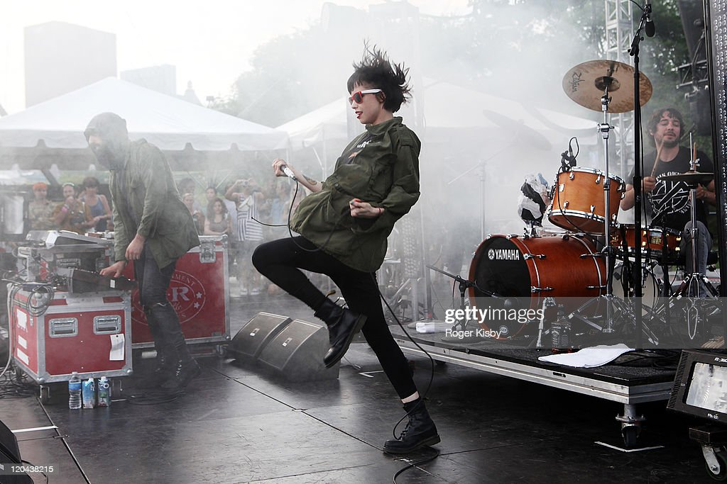 <a gi-track='captionPersonalityLinkClicked' href=/galleries/search?phrase=Alice+Glass&family=editorial&specificpeople=5334926 ng-click='$event.stopPropagation()'>Alice Glass</a> of Crystal Castles performs onstage during 2011 Lollapalooza at Grant Park on August 5, 2011 in Chicago, Illinois.
