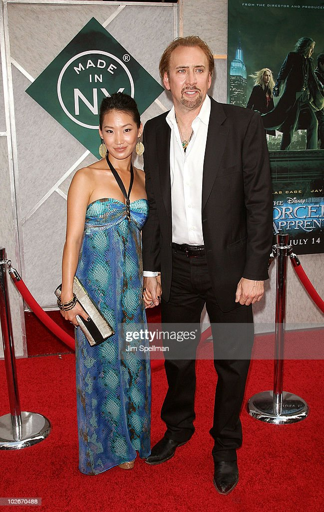 <a gi-track='captionPersonalityLinkClicked' href=/galleries/search?phrase=Alice+Kim&family=editorial&specificpeople=212731 ng-click='$event.stopPropagation()'>Alice Kim</a> and Actor <a gi-track='captionPersonalityLinkClicked' href=/galleries/search?phrase=Nicolas+Cage&family=editorial&specificpeople=196531 ng-click='$event.stopPropagation()'>Nicolas Cage</a> attends the premiere of 'The Sorcerer's Apprentice' at the New Amsterdam Theatre on July 6, 2010 in New York City.