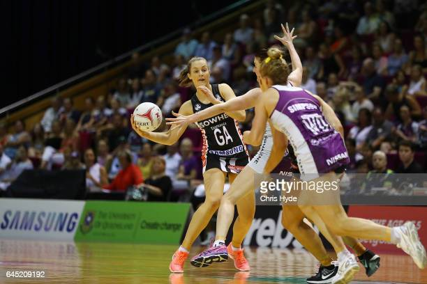 Alice TeagueNeeld of the Magpies passes during the round two Super Netball match between the Queensland Firebirds and the Collingwood Magpies at...