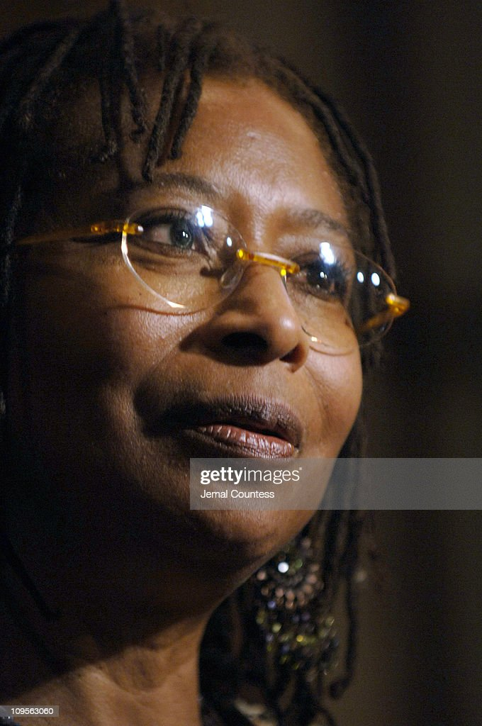 imagery in am i blue alice walker Alice walker's short story am i blue alice walker's extraordinary use of imagery effectively creates scenes of beautiful country life in the.