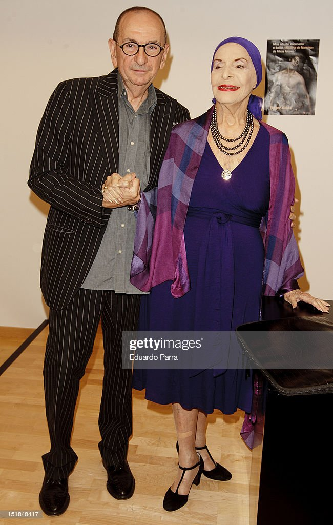 <a gi-track='captionPersonalityLinkClicked' href=/galleries/search?phrase=Alicia+Alonso&family=editorial&specificpeople=217756 ng-click='$event.stopPropagation()'>Alicia Alonso</a> and Roger Salas attend Roger Salas' new book press conference at Canal Theatre on September 12, 2012 in Madrid, Spain.