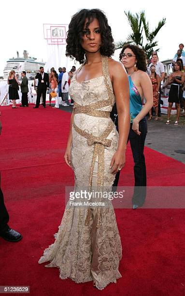 Alicia Keys arrives at the 2004 MTV Video Music Awards at the American Airlines Arena August 29 2004 in Miami Florida