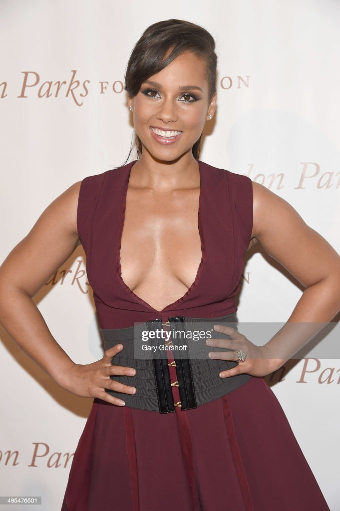 <a gi-track='captionPersonalityLinkClicked' href=/galleries/search?phrase=Alicia+Keys&family=editorial&specificpeople=169877 ng-click='$event.stopPropagation()'>Alicia Keys</a> attends the 2014 Gordan Parks Foundation Awards Dinner & Auction at Cipriani Wall Street on June 3, 2014 in New York City.