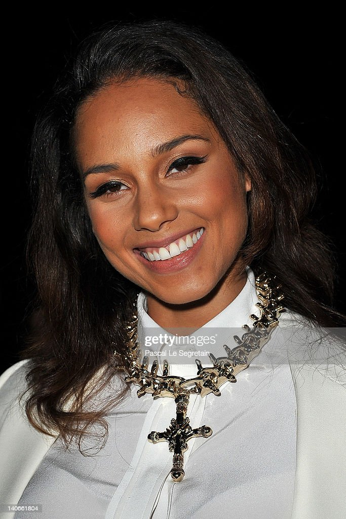 <a gi-track='captionPersonalityLinkClicked' href=/galleries/search?phrase=Alicia+Keys&family=editorial&specificpeople=169877 ng-click='$event.stopPropagation()'>Alicia Keys</a> attends the Givenchy Ready-To-Wear Fall/Winter 2012 show as part of Paris Fashion Week at Lycee Carnot on March 4, 2012 in Paris, France.