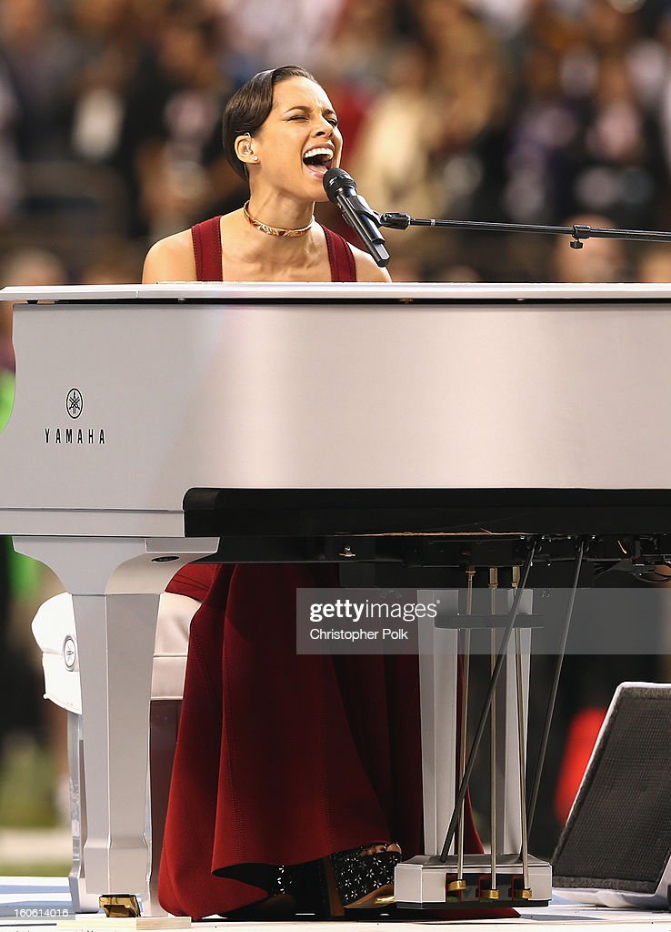 <a gi-track='captionPersonalityLinkClicked' href=/galleries/search?phrase=Alicia+Keys&family=editorial&specificpeople=169877 ng-click='$event.stopPropagation()'>Alicia Keys</a> performs during the Pepsi Super Bowl XLVII Pregame Show at Mercedes-Benz Superdome on February 3, 2013 in New Orleans, Louisiana.