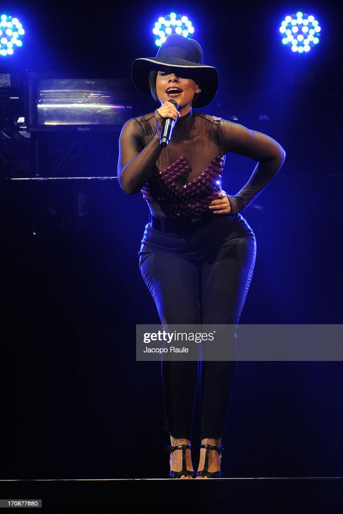 <a gi-track='captionPersonalityLinkClicked' href=/galleries/search?phrase=Alicia+Keys&family=editorial&specificpeople=169877 ng-click='$event.stopPropagation()'>Alicia Keys</a> performs during The World On Fire Tour At The Palaolimpico on June 19, 2013 in Turin, Italy.