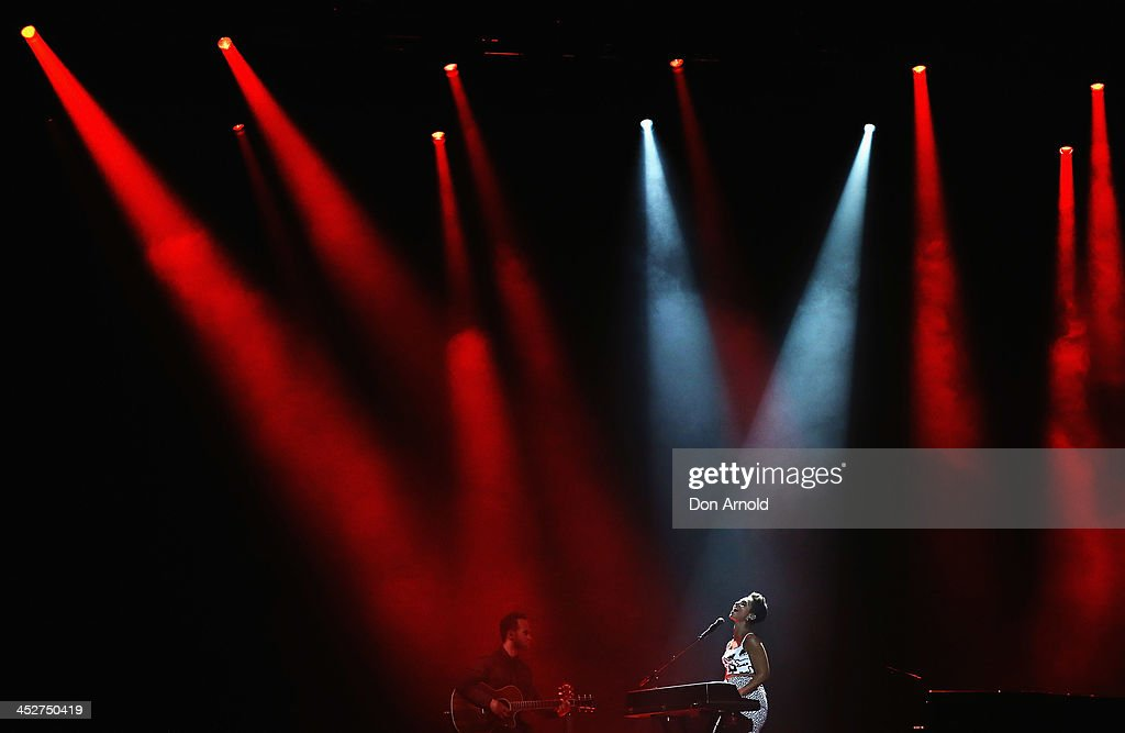 <a gi-track='captionPersonalityLinkClicked' href=/galleries/search?phrase=Alicia+Keys&family=editorial&specificpeople=169877 ng-click='$event.stopPropagation()'>Alicia Keys</a> performs live during the 27th Annual ARIA Awards 2013 at the Star on December 1, 2013 in Sydney, Australia.