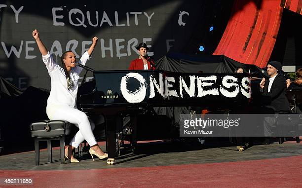 Alicia Keys performs onstage at the 2014 Global Citizen Festival to end extreme poverty by 2030 at Central Park on September 27 2014 in New York City
