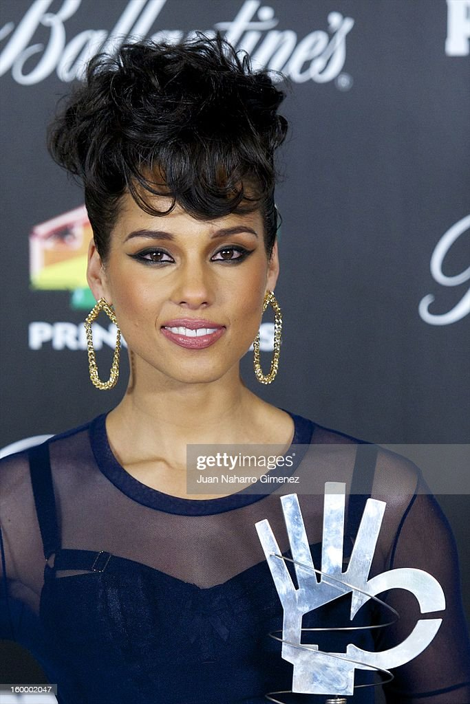 Alicia Keys poses in the press room during 40 Principales Awards 2012 at the Palacio de Deportes on January 24, 2013 in Madrid, Spain.
