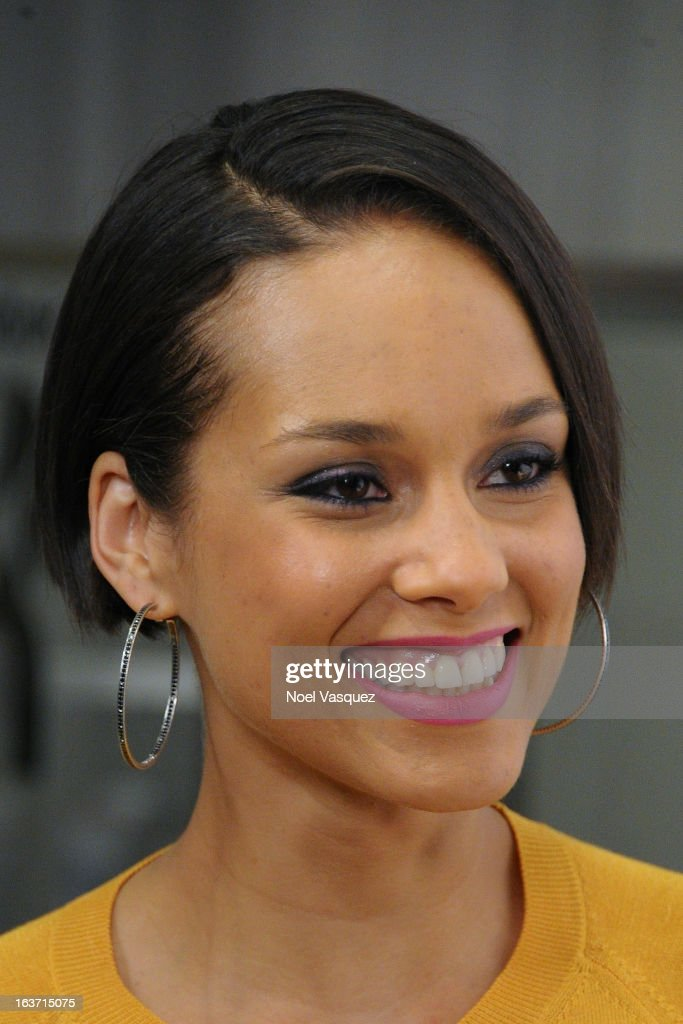 <a gi-track='captionPersonalityLinkClicked' href=/galleries/search?phrase=Alicia+Keys&family=editorial&specificpeople=169877 ng-click='$event.stopPropagation()'>Alicia Keys</a> visits 'Extra' at The Grove on March 14, 2013 in Los Angeles, California.