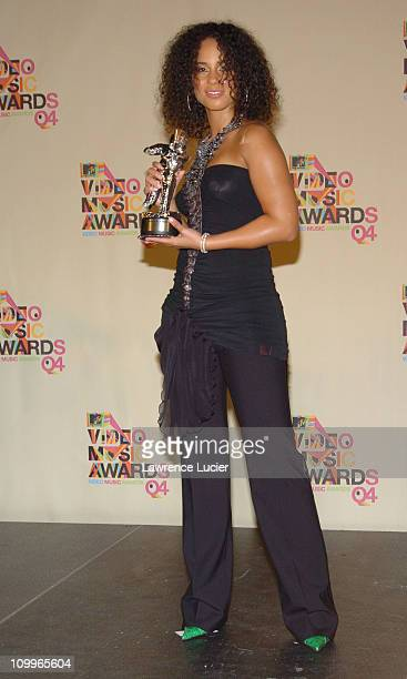 Alicia Keys winner of Best RB Video for If I Ain't Got You