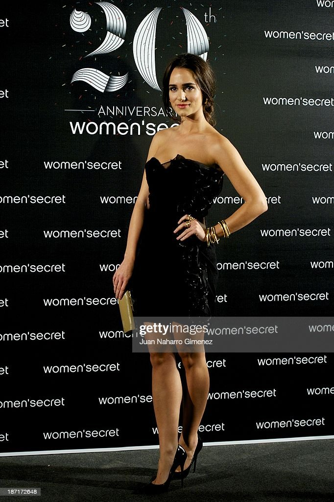 <a gi-track='captionPersonalityLinkClicked' href=/galleries/search?phrase=Alicia+Sanz&family=editorial&specificpeople=6914153 ng-click='$event.stopPropagation()'>Alicia Sanz</a> attends Women'secret New Collection presentation 20th anniversary at Botanic Garden on November 6, 2013 in Madrid, Spain.