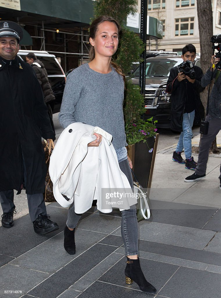 <a gi-track='captionPersonalityLinkClicked' href=/galleries/search?phrase=Brie+Larson&family=editorial&specificpeople=171226 ng-click='$event.stopPropagation()'>Brie Larson</a> seen outside her hotel on May 2, 2016 in New York City.