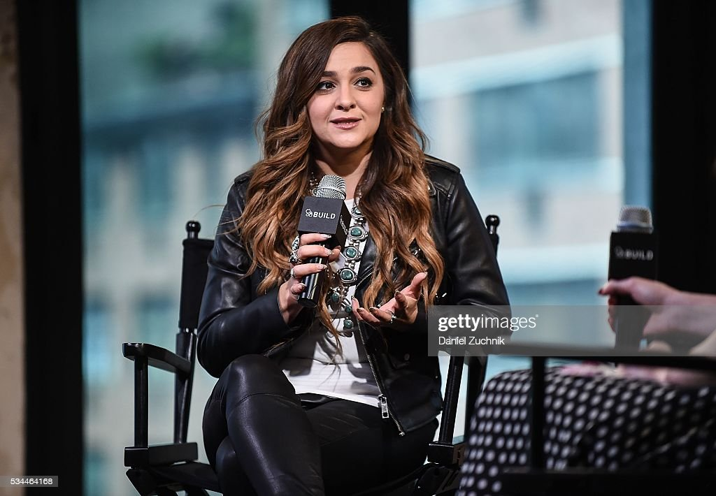 <a gi-track='captionPersonalityLinkClicked' href=/galleries/search?phrase=Alisan+Porter&family=editorial&specificpeople=668247 ng-click='$event.stopPropagation()'>Alisan Porter</a> attends AOL Build to discuss becoming the winner of season 10 of The Voice at AOL Studios on May 26, 2016 in New York City.