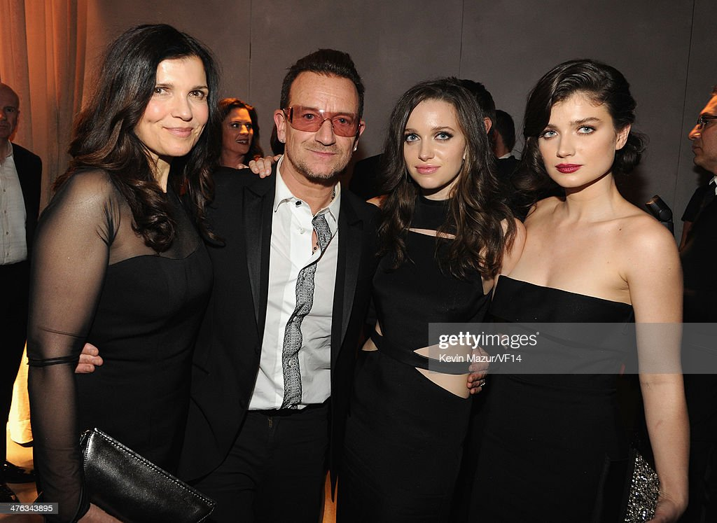 Alison Hewson, <a gi-track='captionPersonalityLinkClicked' href=/galleries/search?phrase=Bono+-+Singer&family=editorial&specificpeople=167279 ng-click='$event.stopPropagation()'>Bono</a>, Jordan Hewson and <a gi-track='captionPersonalityLinkClicked' href=/galleries/search?phrase=Eve+Hewson&family=editorial&specificpeople=5294973 ng-click='$event.stopPropagation()'>Eve Hewson</a> attend the 2014 Vanity Fair Oscar Party Hosted By Graydon Carter on March 2, 2014 in West Hollywood, California.
