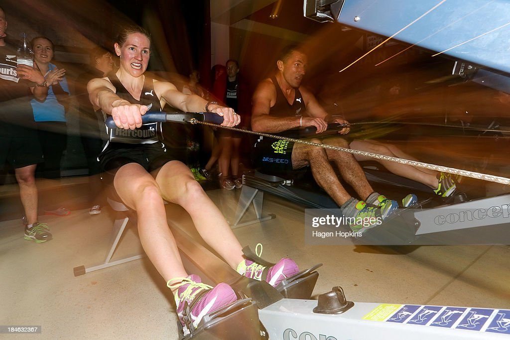 <a gi-track='captionPersonalityLinkClicked' href=/galleries/search?phrase=Alison+Shanks&family=editorial&specificpeople=797980 ng-click='$event.stopPropagation()'>Alison Shanks</a> competes in the rowing leg of the ANZA Challenge on October 15, 2013 in Wellington, New Zealand.