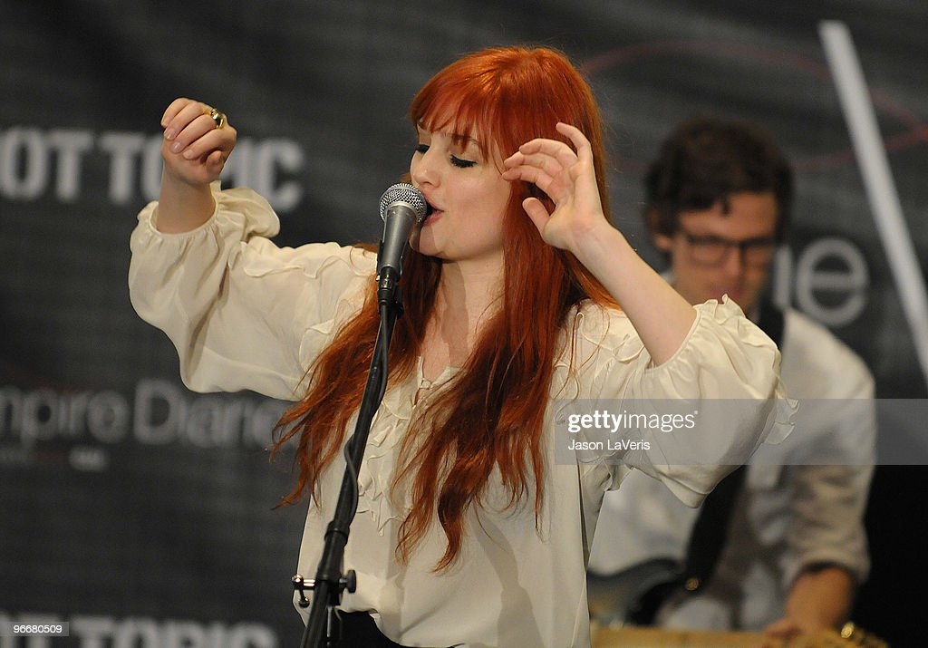Alison Sudol of A Fine Frenzy performs at 'The Vampire Diaries' Hot Topic tour at Hot Topic on February 13, 2010 in Canoga Park, California.