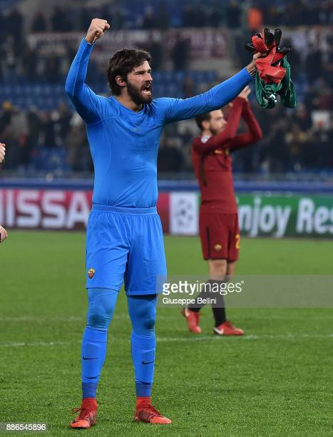 Alisson Becker of AS Roma celebrates the victory after the UEFA Champions League group C match between AS Roma and Qarabag FK at Stadio Olimpico on...